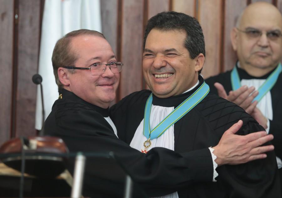 Carlos Brandão é empossado como desembargador federal do TRF da 1ª Região