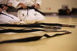 DECISÃO: Tribunal concede benefício de bolsa-atleta a praticante de Karatê
